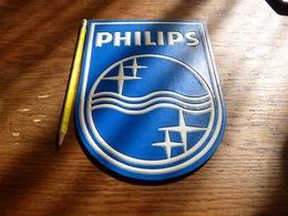 Ancienne Publicité De Comptoir En Relief  Philips Haut 21cm - Paperboard Signs