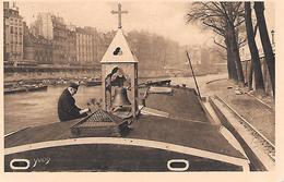 PARIS ( 6e ) - Chapelle Des Mariniers , Pont Saint Michel - Houseboats