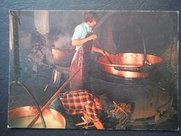 """CPM Vieux Métiers De Montagne - Fabrication Du Fromage - Collection """"Douce France"""" - Rhône-Alpes"""