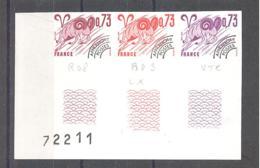 France / Frankreich  Michel # 2064 **  Geschnitten  3-er Streifen Eckrand - France