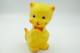 PIEPER POUET SQUEAKY: LEDRAPLASTIC CUTE CAT KAT CHAT - L=12 - ***  - M DEP ELEPHANT ITALY  - Rubber - Vinyl - 1960's - Smurfs