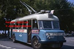 ReproductionPhotographie D'un Trolley Bus Ligne 4 Avec Publicités Klopfer, Placette, Au Sabot D'argent à Lausanne 1964 - Repro's