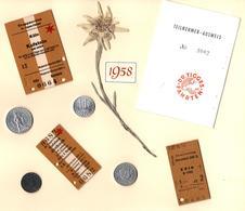 Page D'Album Décorée Avec Collages Divers, Monnaies, Ticket D'entrée, Scratchbooking, Edelweiss Ou Léontopodium En 1958 - Documentos Antiguos