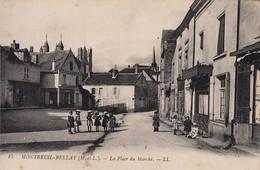 49 - Montreuil Bellay : La Place Du Marché - Petite Animation - CPA écrite - Montreuil Bellay