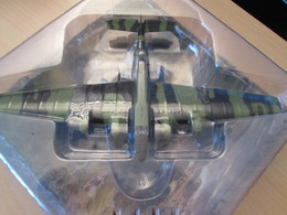 CARTONCAV / MODELE REDUIT EN METAL éditions Altaya Ou Delprado , SUPER DETAILLé ! AVION 39-45 BOMBARDIER RUSSE état Neuf - Luchtvaart