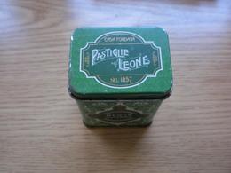 Old Tin Box Casa Fondata Pastiglie Leone Nel 1857 Menta Pepermint - Boxes