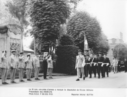 """MILITAIRE-(Photo E.C.A).""""Dissolution De L'Ecole Militaire Préparatoire Des ANDELYS"""" - Reporter:Michel BUTTIN - - Militaria"""