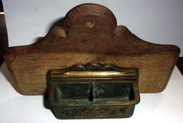 Ancien Cendrier De Train En Bois Et Laiton - Otras Colecciones