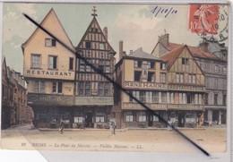 Reims (51) Place Du Marché. Vieilles Maisons - Commerces , Restaurants.... - Reims