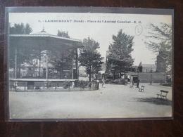 LAMBERSART-   Place De L'amiral Courbet     édit: E.C. - Lambersart