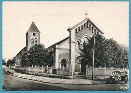 SUCY-EN-BRIE - Eglise Sainte Jeanne De Chantal - Auto Oldtimer - Photo Véritable - Sucy En Brie