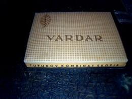 Yougoslavie Publicité Ancien Paquet Vide En Carton De Cigarettes (Macédoine) Marque  Vardar - Autres