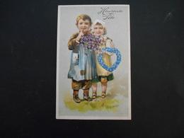 Enfants Aux Habits Rapiécés Avec Gros Bouquet De Violettes Et Coeur En Myosotis - Gaufrée - Série 5963 - Enfants
