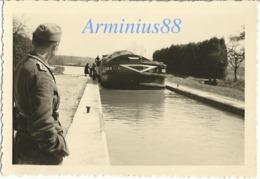 """L'occupation Allemande - Canal De L'Aisne à La Marne - Péniche """"ATLAS 6"""" - Écluse - Éclusière - Wehrmacht - Mai 1941 - Guerre, Militaire"""