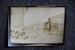 VASSINCOURT ( Meuse, Photographie Prise En Septembre 1914 , Rue Principale Après Le Bombardement. - Guerra, Militari
