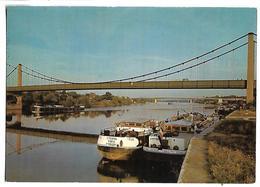 PENICHE - ELBEUF - Le Pont Guynemer Et Le Nouveau Pont Sur La Seine - Houseboats