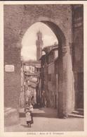 SIENA - ARCO DI S.GIUSEPPE - BALIA CON BAMBINO IN COLLO - Siena