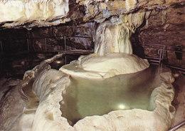 38 La Balme Les Grottes Grottes De La Balme La Grande Fontaine (2 Scans) - La Balme-les-Grottes