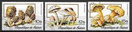 GUINEE   -    Aéros   -  1977  . Y&T N° 110 à 112 Oblitérés.  Champignons.  .série Complète - Guinea (1958-...)