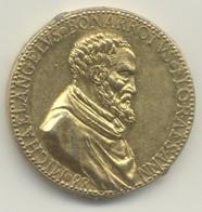 Médaille  MICHAELANGELVS Bonarrotvs   Médaille Commémorant Le 88th Anniversaire De Michelanglo - Profesionales/De Sociedad