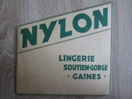 Publicité Nylon Lingerie Soutien Gorge Gaines Femme - Publicidad