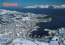1 AK Norwegen * Blick Auf Den Ort Skjervøy Auf Der Insel Skjervøy In Nordnorwegen - Luftbildaufnahme * - Norvège