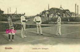 PHOTO : GRADO : Tennis A La Spiaggia  , Photo D'une Ancienne Carte Postale, 2 Scans - Sports