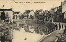 MONTARGIS  Le Canal Le Boulevard Du Rempart  Animée Pecheur à La Ligne RV Ambulant  Paris à Montargis - Montargis