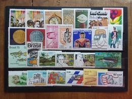 BRASILE - Lotto 25 Francobolli Differenti Nuovi ** Anni '70 + Erinnofilo + Spese Postali - Ongebruikt