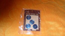 CARTE AVEC 4 BOUTONS AU BON MARCHE MAISON A. BOUCICAUT PARIS.. - Botones