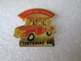 PIN'S   POMPIER  TINTENIAC  35  RENAULT  COLORALE - Bomberos