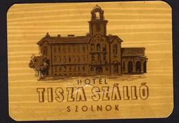 "Hotelaufkleber Etiquette Pour Valise "" Hongrie Szolnok Hotel Tisza "" Kofferaufkleber Luggage Label Adesivi Per Hotel - Adesivi Di Alberghi"