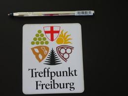 Petit Blason écusson Adhésif Autocollant Treffpunkt Freiburg Aufkleber Wappen Coat Arms Adhesivo Adesivo Stemma - Recordatorios