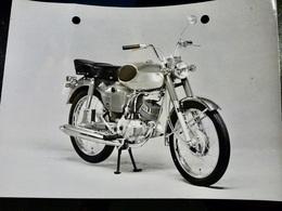 Photo PRESSE : MOTO _ BRIDGESTON 90 Sport _ 1967 _ VINTAGE - Cars