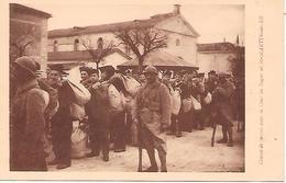 ILE De RE  ( 17 ) -  SAINT MARTIN  - Convoi De Forçats Dans La Cour Du Bagne - Prison