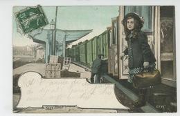 NOISY LE GRAND - Jolie Carte Fantaisie Fillette Sur Le Quai D'une Gare Avec Train - Noisy Le Grand