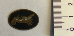 Auto Ford, Piccolo Ovale  Laccato Di Auto D'epoca - Otras Colecciones