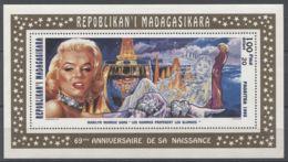 Madagascar - 1995 Marilyn Monroe Block (1) MNH__(TH-13089) - Madagascar (1960-...)