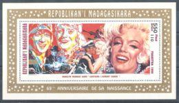 Madagascar - 1995 Marilyn Monroe Block (2) MNH__(TH-6227) - Madagascar (1960-...)