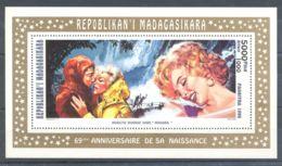 Madagascar - 1995 Marilyn Monroe Block (3) MNH__(TH-6232) - Madagascar (1960-...)