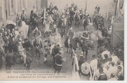 CPA Yssingeaux - 24 Octobre 1909 Les Fêtes De Jeanne D'Arc - Avant La Formation Du Cortège, Les Figurants (belle Scène) - Yssingeaux