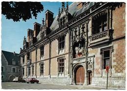 41 Blois L'Entrée Du Château Avec Automobiles (2 Scans) - Blois