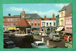 England Berkshire  Newbury Broadway ( Format 9cm X 14cm ) With Car - Inghilterra