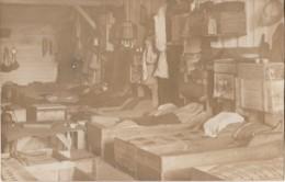 CAMP DE PRISONNIERS MUNSTER (ALLEMAGNE) CARTE PHOTO AUSTALT - UNE CHAMBRE - (2 SCANS) - Guerre 1914-18