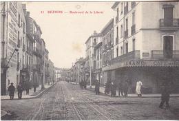 VIL-  BEZIERS  DANS L'HERAULT  BOULEVARD DE LA LIBERTE LE CAFE DES BOULEVARDS - Beziers