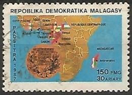 MADAGASCAR N° 801 OBLITERE - Madagaskar (1960-...)