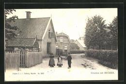 AK Huizen, Kinder Auf Einer Strasse - Pays-Bas