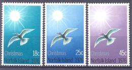 1976. Norfolk Island, Christmas/Birds, 4v, Mint/** - Norfolk Island