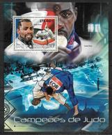 MOZAMBIQUE BF 622 * *  ( Cote 16e )  Judo  Riner - Judo