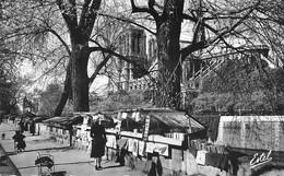 CPSM - 75 - Notre Dame De Paris Et Les Bouquinistes - Notre Dame De Paris